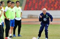 足球教练聘用合同3篇
